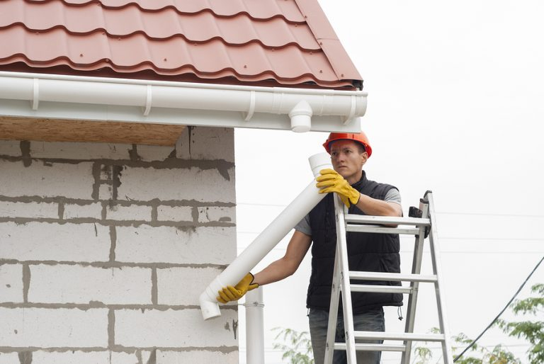 this image shows a worker for solona beach roofing by encinitas roofing pros